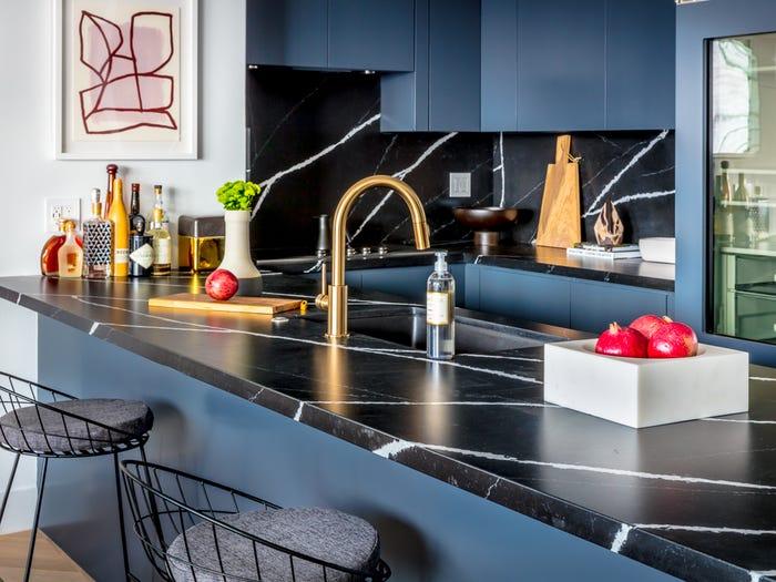 کابینت آشپزخانه آبی رنگ سال ۹۹