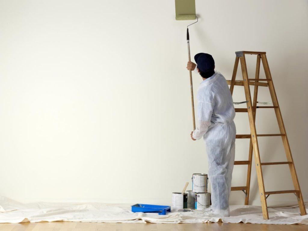 رنگ کردن دیوار
