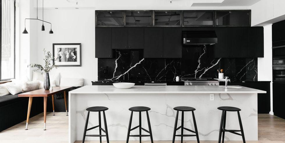 کابینت سیاه و سفید