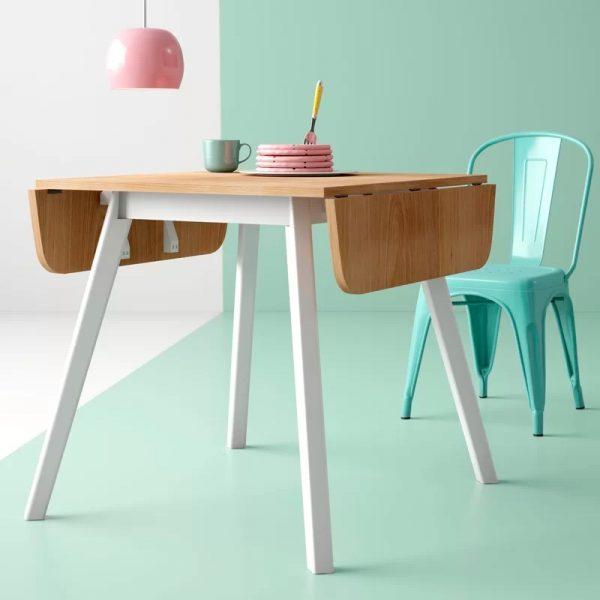 میز تاشو چوبی نیازهرخانه کوچکی